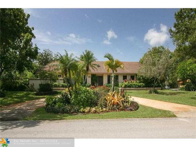 450 Mill Springs Ln Fort Lauderdale, FL 33325
