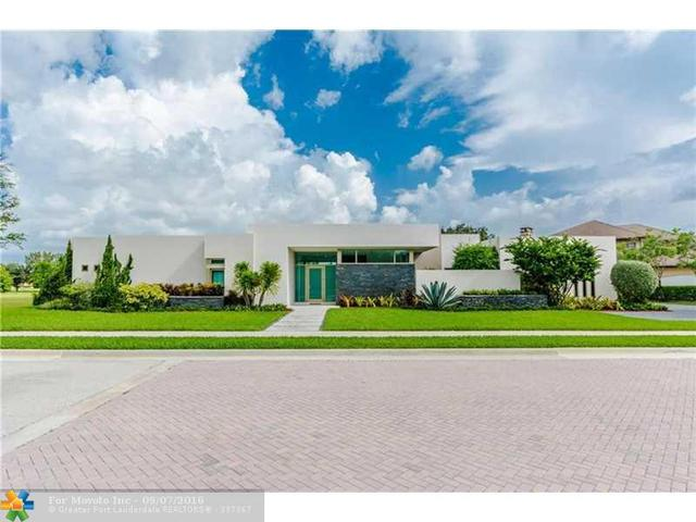 12523 Grand Oaks Dr, Davie, FL 33330
