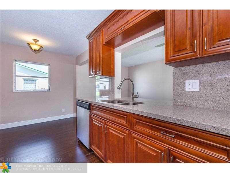 8217 NW 12th Manor, Plantation, FL 33322