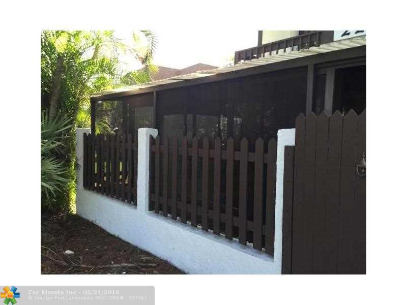 2269 Lena Lane #2269, West Palm Beach, FL 33415