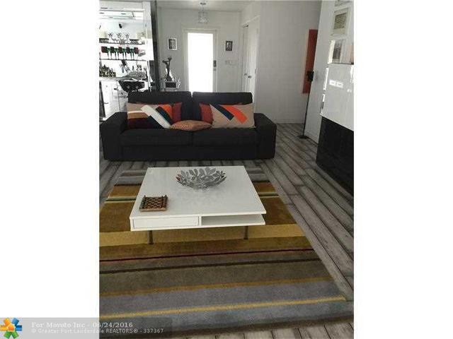 5202 Holly Cir Lauderhill, FL 33319