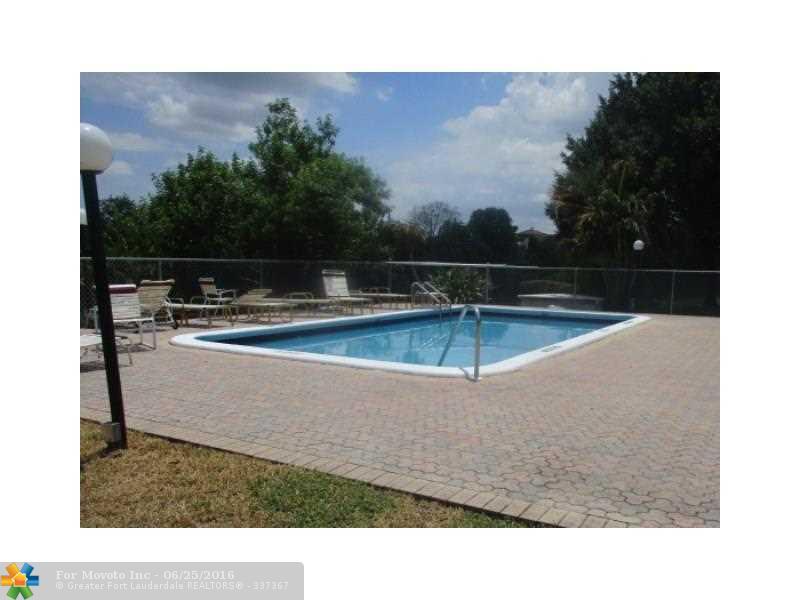 3300 Spanish Moss Terrace #313, Lauderhill, FL 33319