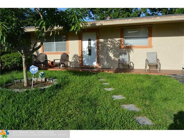 1922 SW 68th Ter, North Lauderdale, FL 33068
