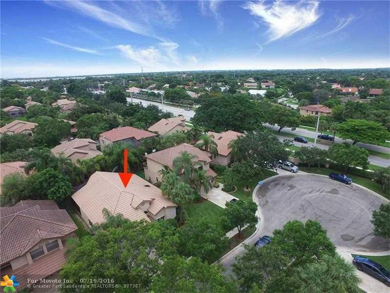 10341 NW 16th Street, Plantation, FL 33322
