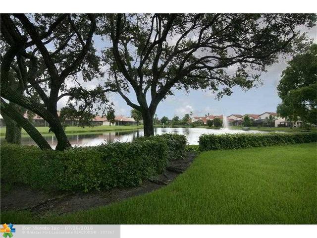 227 Lakeside Cir #227, Sunrise, FL 33326