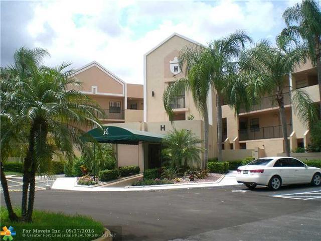 7525 Fairfax Dr #113, Tamarac, FL 33321