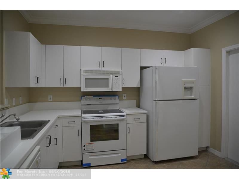 3770 San Simeon Circle #3770, Weston, FL 33331