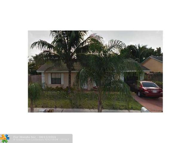5826 NE Eddy Ct, Lake Worth, FL 33463