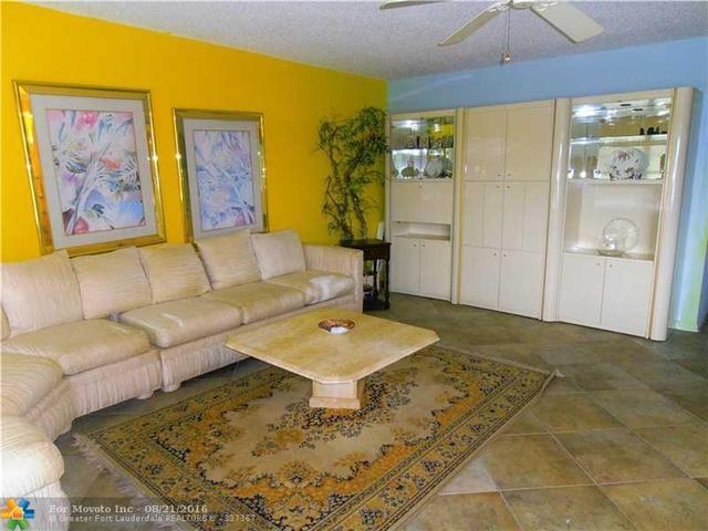 302 Richmond A #302, Deerfield Beach, FL 33442