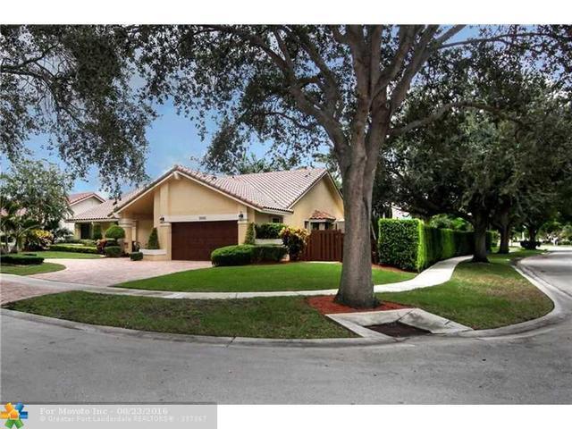 10701 NW 4th St, Plantation, FL 33324