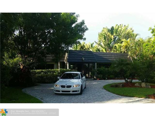 3240 Aqua Vista Dr, Pompano Beach, FL 33062
