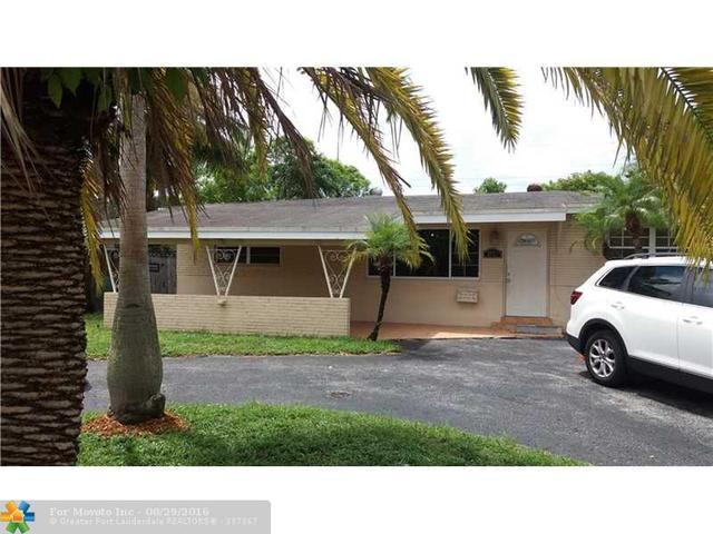 2712 Arcadia Dr, Miramar, FL 33023