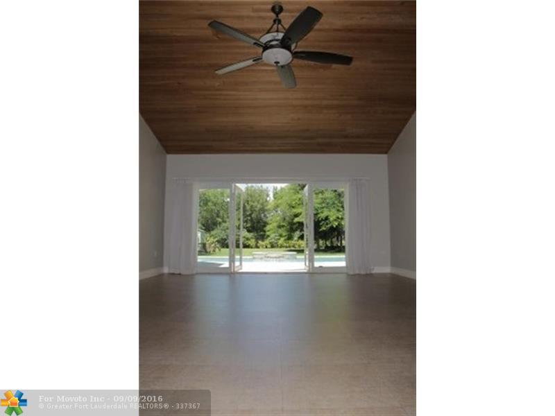 7887 SW 58th Street, Miami, FL 33143