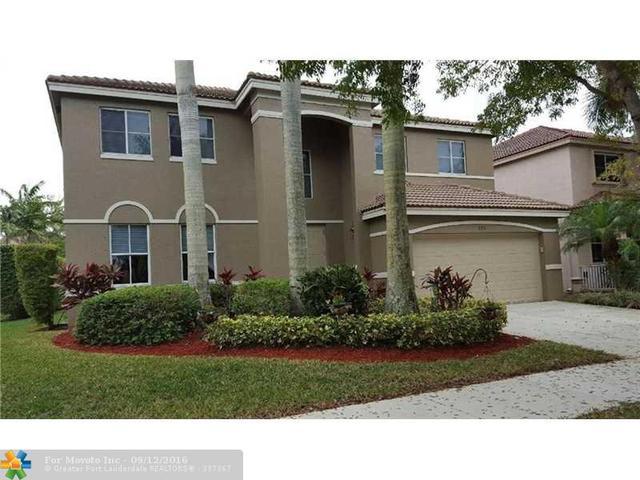 856 Nandina Dr, Weston, FL 33327
