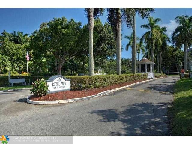 120 Royal Park Dr #4C, Oakland Park, FL 33309