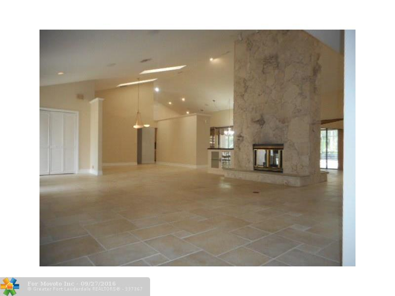 3260 NW 111th Avenue, Coral Springs, FL 33065