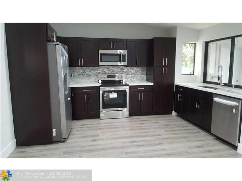 341 SW 34th Terrace, Deerfield Beach, FL 33442