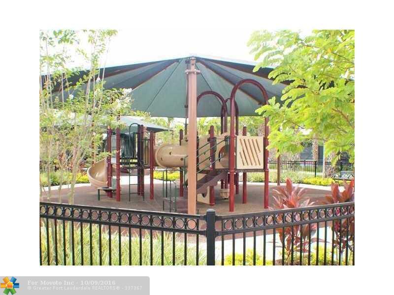 3600 Oaks Clubhouse Drive #104, Pompano Beach, FL 33069