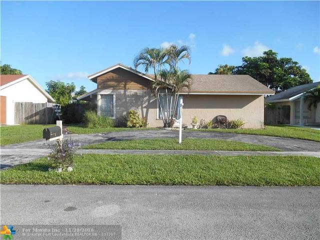 8211 SW 3rd Pl, North Lauderdale, FL 33068