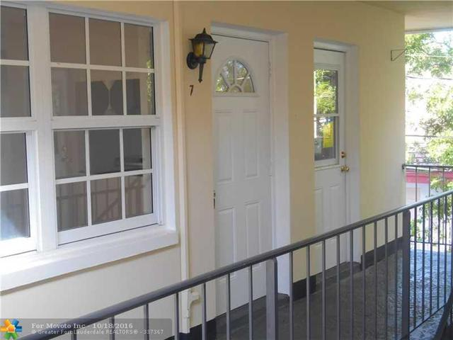 2404 NE 33rd Ave #7, Fort Lauderdale, FL 33305