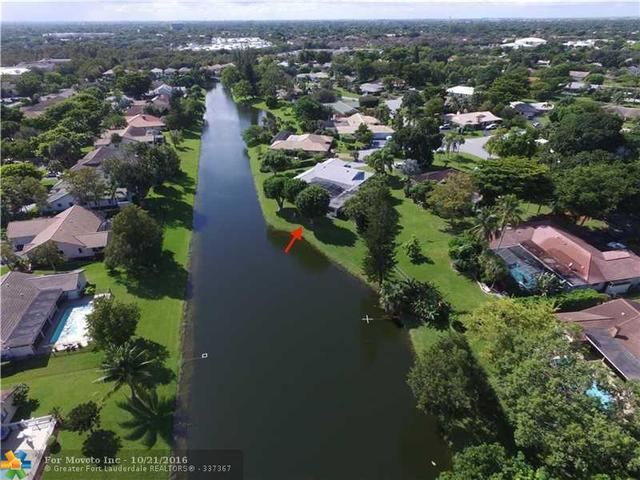 9817 NW 14th Ct, Coral Springs, FL 33071