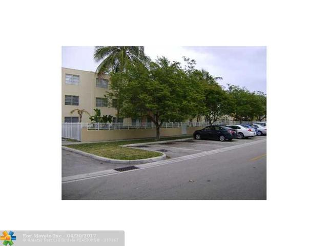 1821 NE 168th St #B6, North Miami Beach, FL 33162