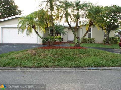 2026 NW 86th Way, Coral Springs, FL 33071