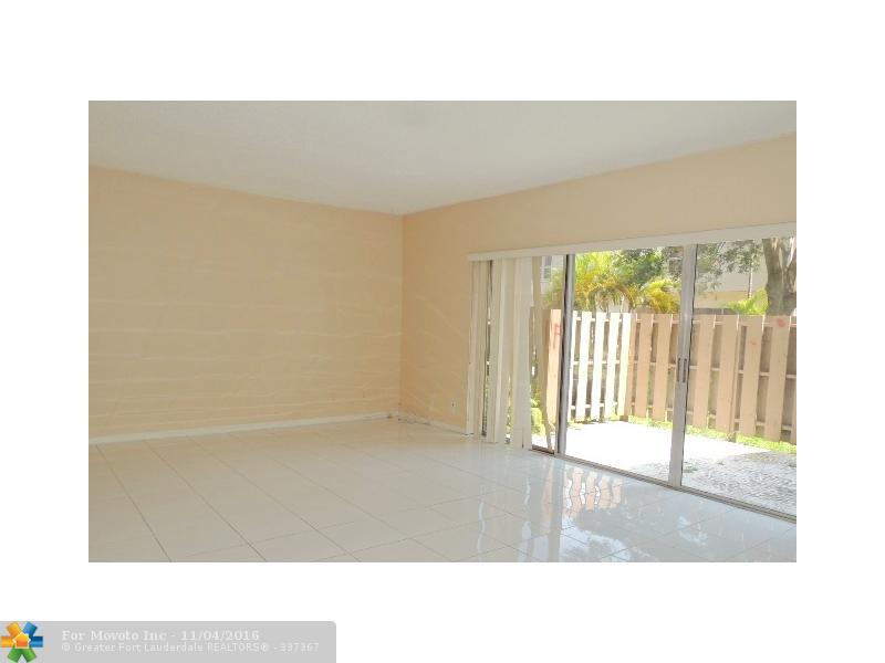 8189 NW 8th Manor #6, Plantation, FL 33324