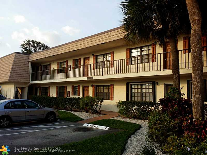 4465 Oak Terrace Drive #4465, Greenacres, FL 33463