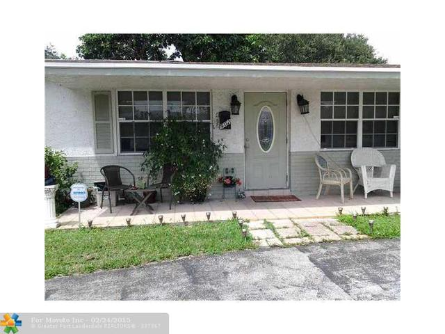 902 SW 71st Ave, Hollywood, FL 33023