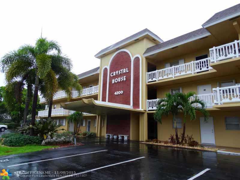 4200 Crystal Lake Dr #APT 303, Pompano Beach, FL