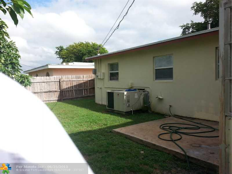 419 Superior Place, West Palm Beach, FL 33409