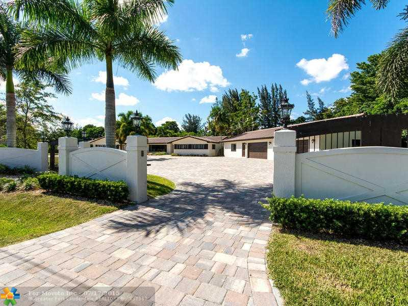 14701 Sunset Ln, Fort Lauderdale, FL