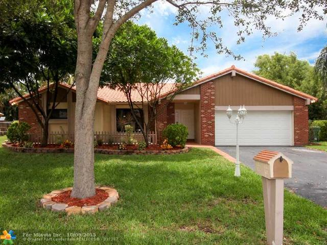 5711 W Waterford Dr, Fort Lauderdale, FL 33331