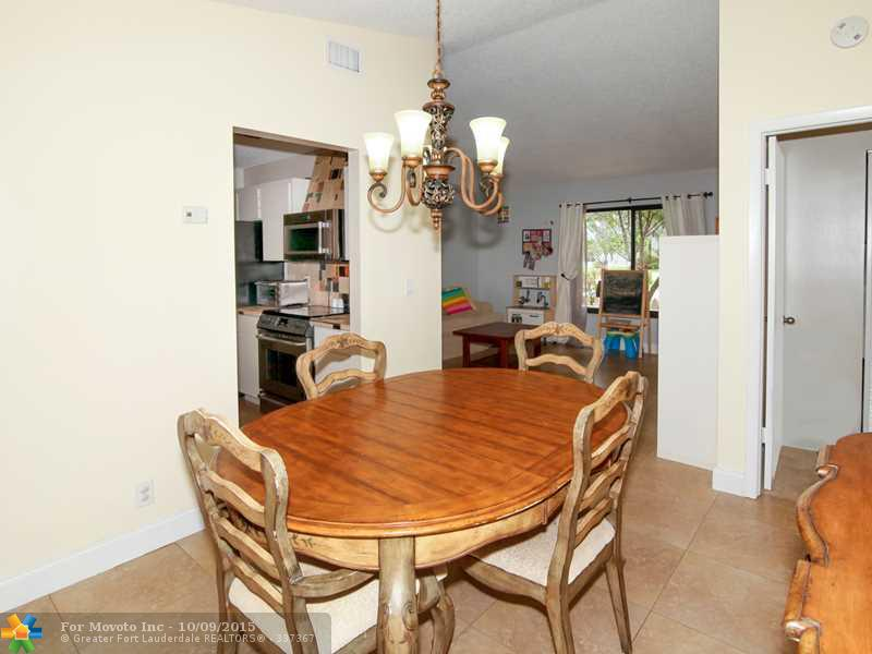5711 W Waterford Dr, Fort Lauderdale FL 33331