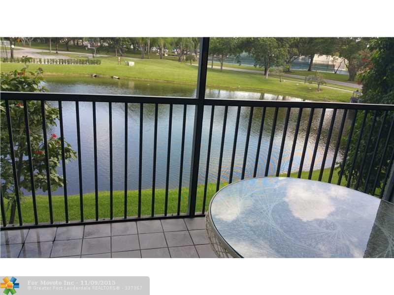 2334 S Cypress Bend Dr #APT 210, Pompano Beach, FL