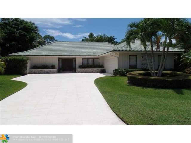 8 Banchory Ct, Palm Beach Gardens, FL 33418