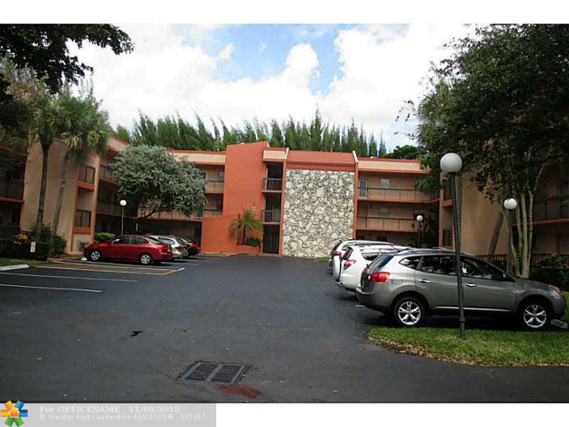 3220 Holiday Springs Blvd #APT 1-103, Pompano Beach, FL