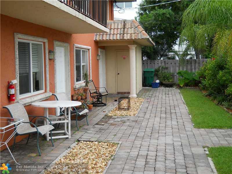 820 NE 28th St #APT 3, Fort Lauderdale, FL