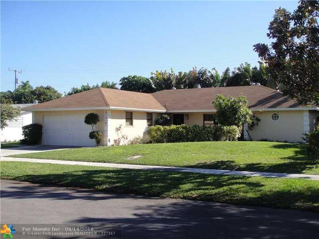 896 SE 13th St, Deerfield Beach, FL