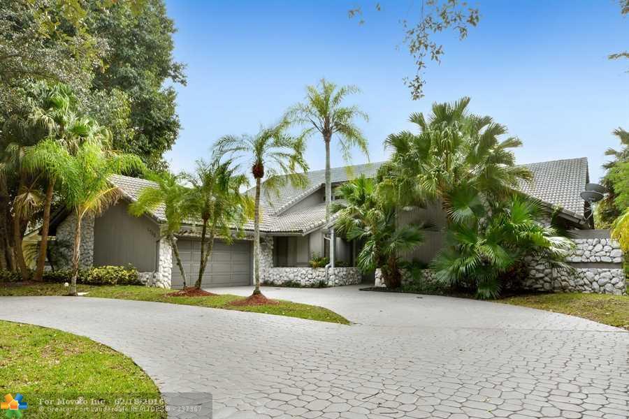 1708 Vestal Dr, Pompano Beach, FL