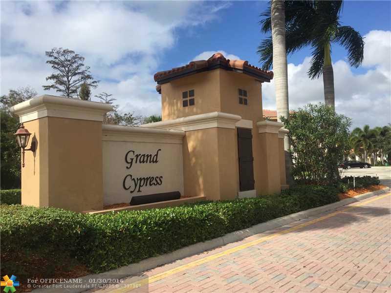 4711 Cypress St #APT 4711, Pompano Beach, FL