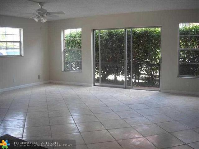670 Tennis Club Dr #101, Fort Lauderdale, FL 33311
