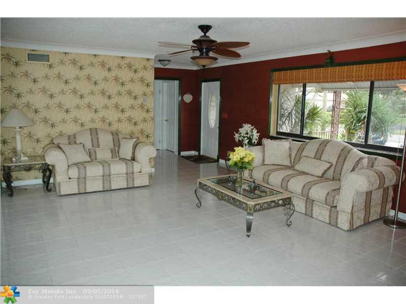 1003 SE 11th Street, Deerfield Beach, FL 33441