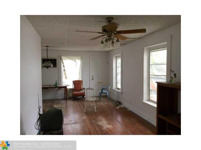 510 S N St, Lake Worth FL 33460