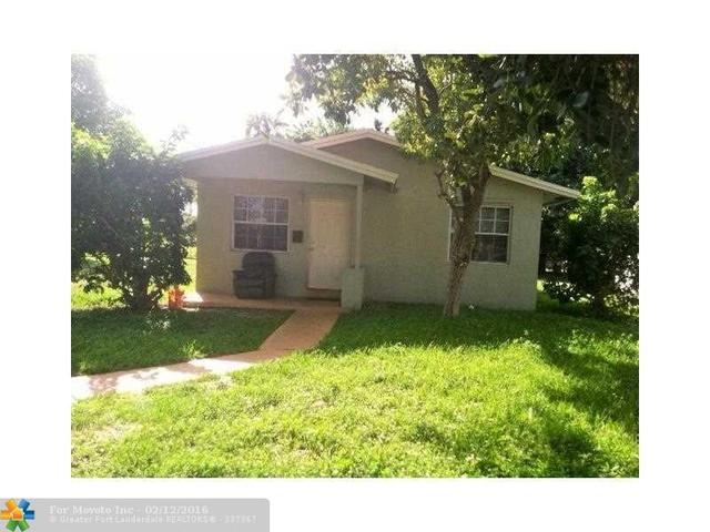 4208 SW 19th St, Hollywood FL 33023