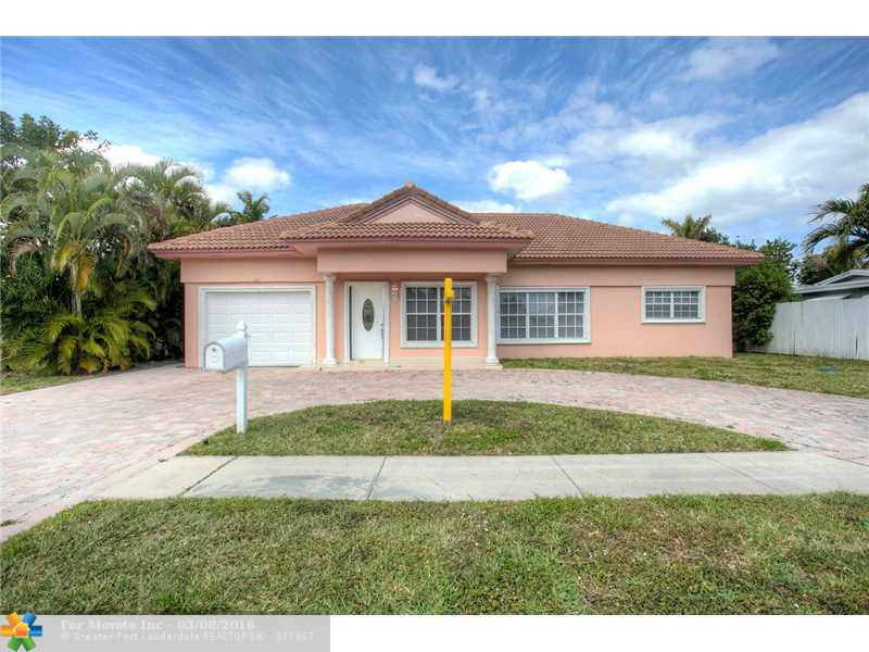 909 SE 13th Ct, Deerfield Beach, FL