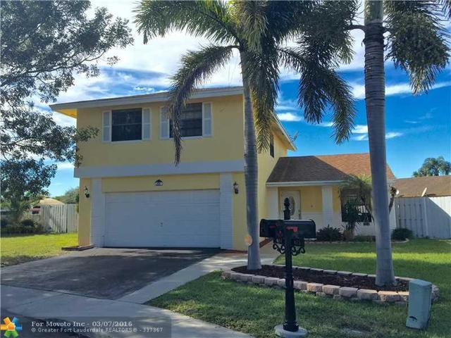 681 Green River Ln Fort Lauderdale, FL 33325