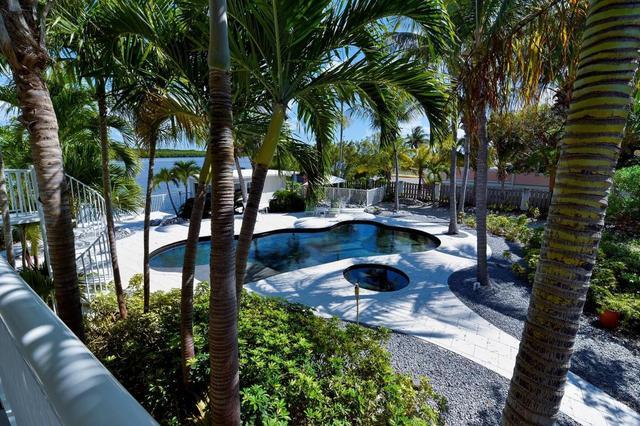 1127 Grand St, Key Largo, FL 33037