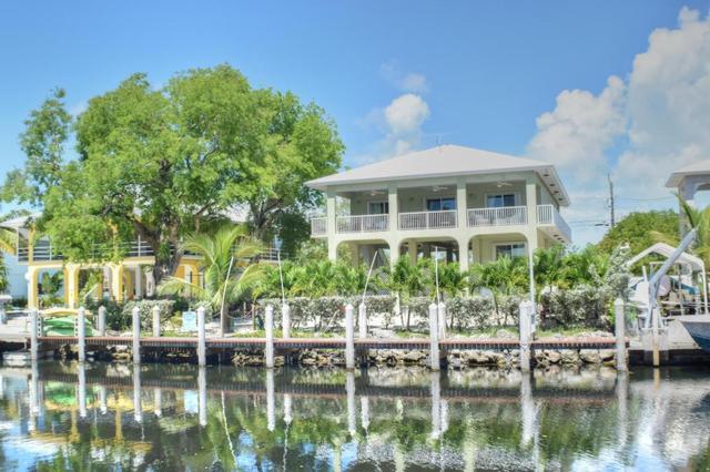 952 Shaw Dr, Key Largo, FL 33037